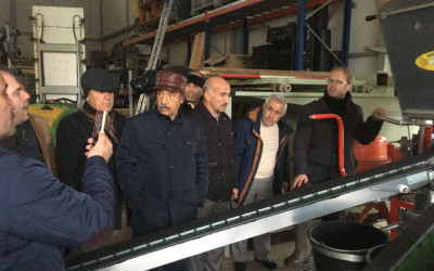 Iranian delegation visits fruit farm