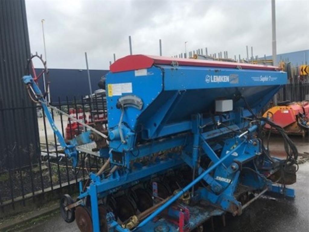 Lemken Saphir seeding machine